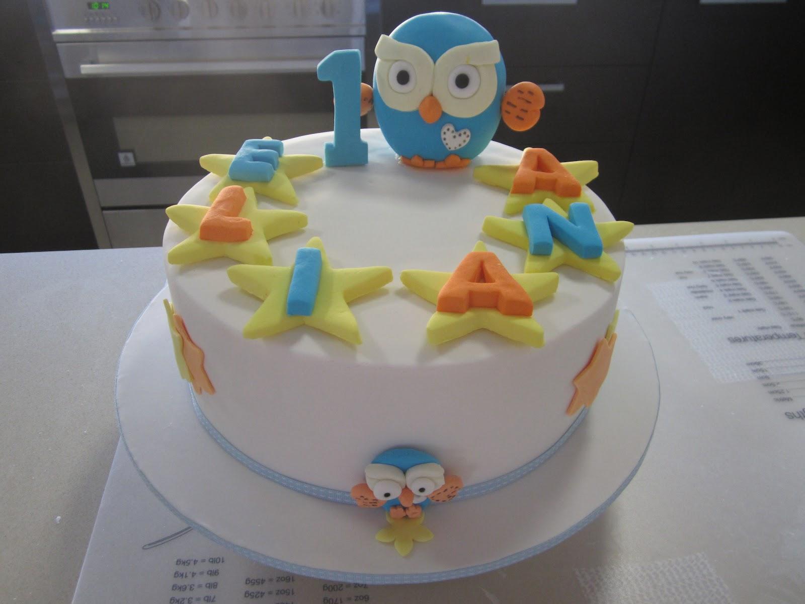 Giggle And Hoot 1st Birthday Cake Strawbeari3